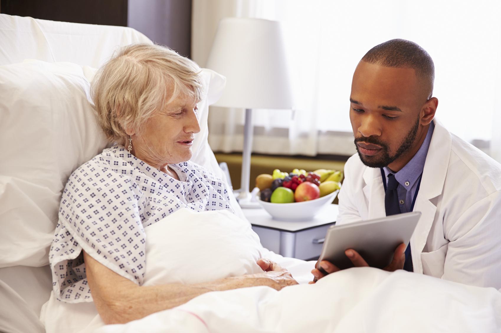 La tablette numérique permet aux malades du covid-19 de garder un contact avec leur famille